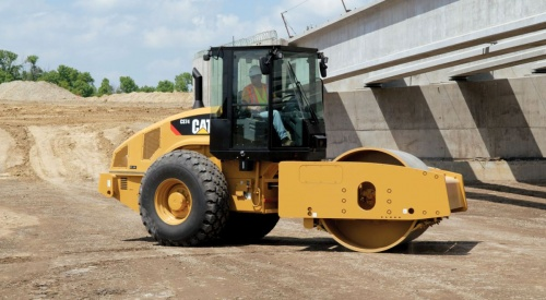 каток Caterpillar CS74
