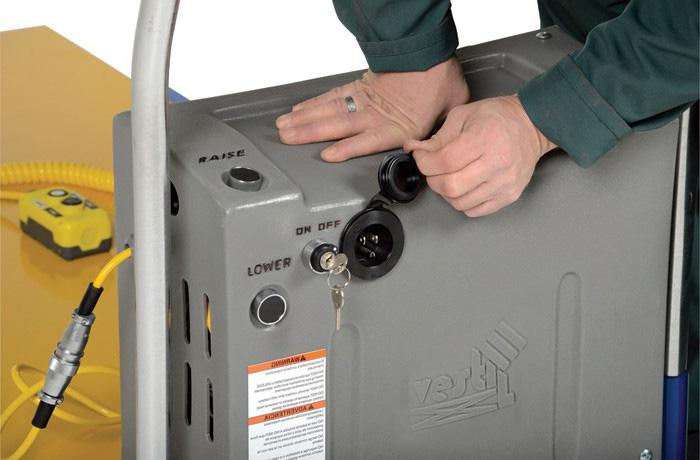 разъем для зарядки аккумулятора подъемника