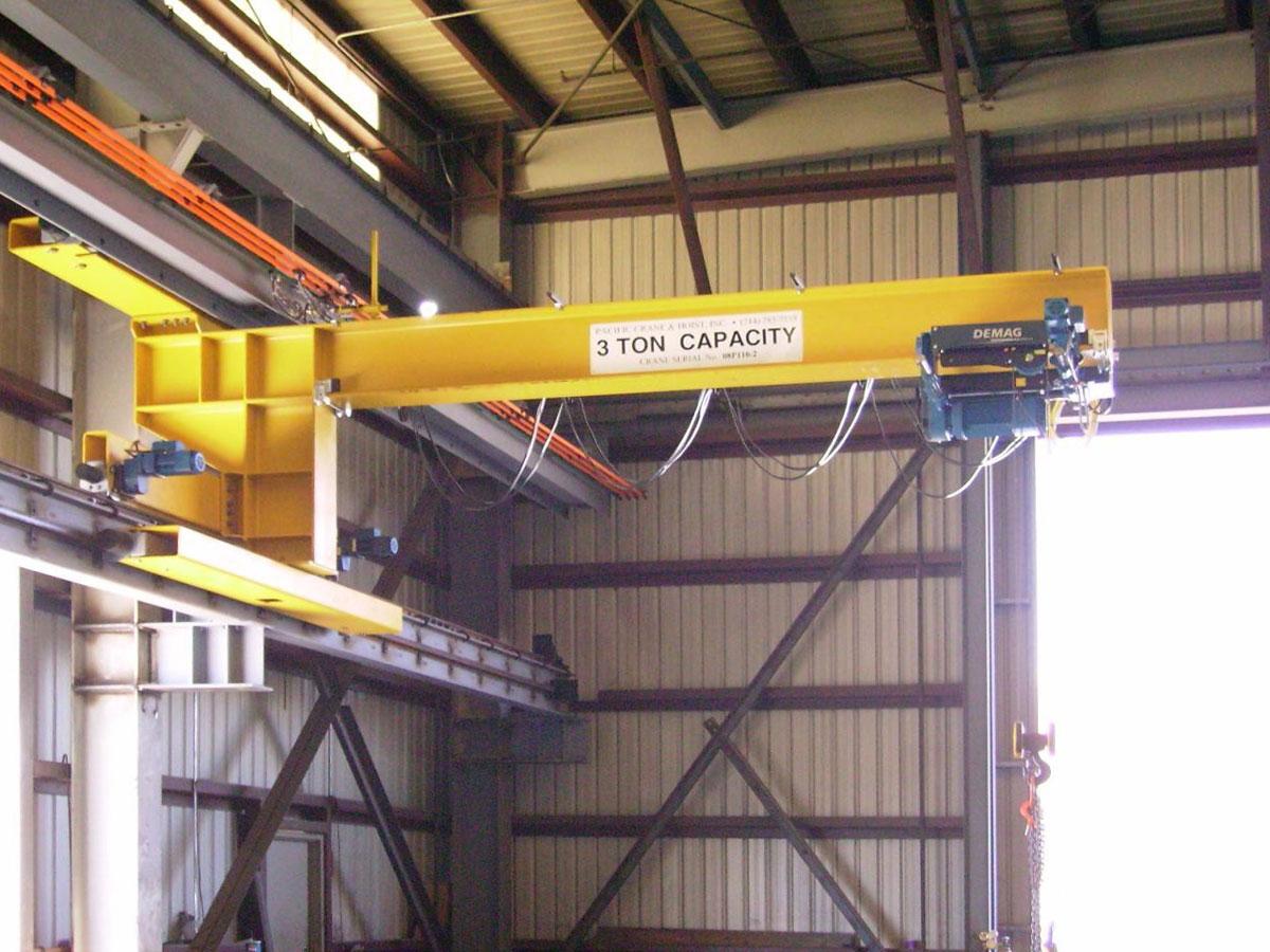 3 тонный консольный настенный передвижной кран