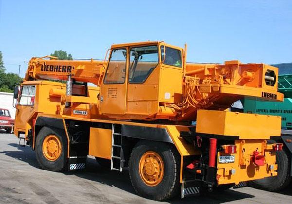 колёсный автокран 25 т Liebherr 1025 LTM