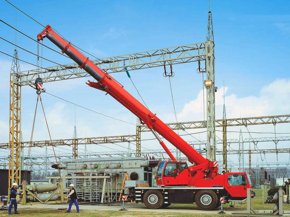 кран Либхер 40 тонн в рабочем состояние