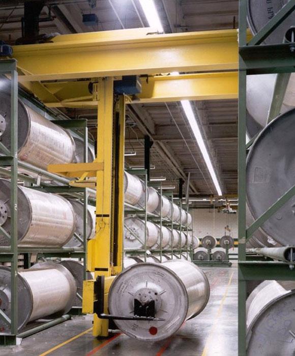 кран штабелер электрический мостовой подвесной для работы с бабинами