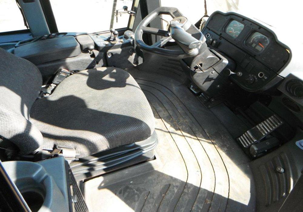 кабина водителя-оператора колесного CAT 962 H