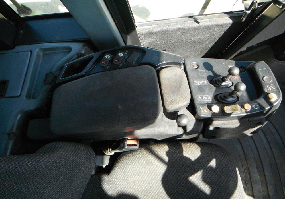 панель управления погрузчиком CAT 962H