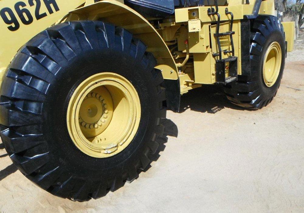 колеса одноковшового погрузчика Caterpillar 962н