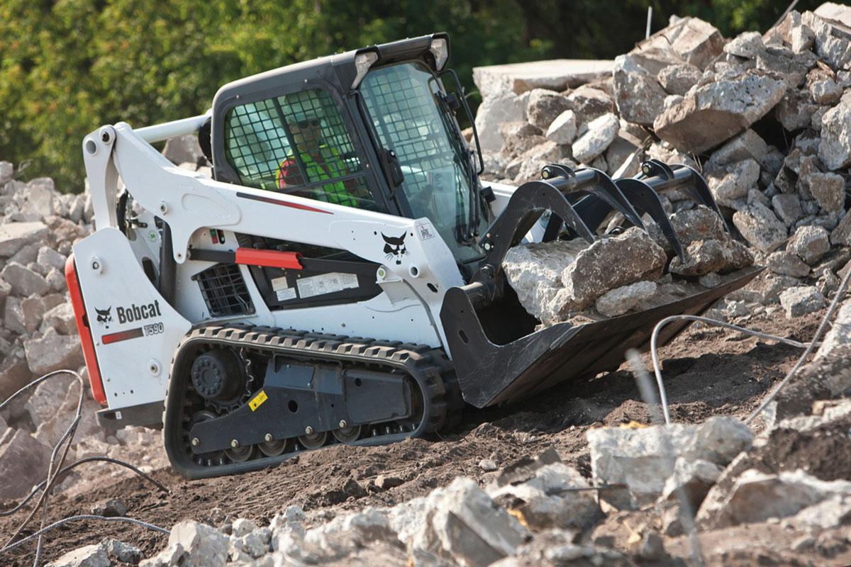 гусеничный мини погрузчик Bobcat T590