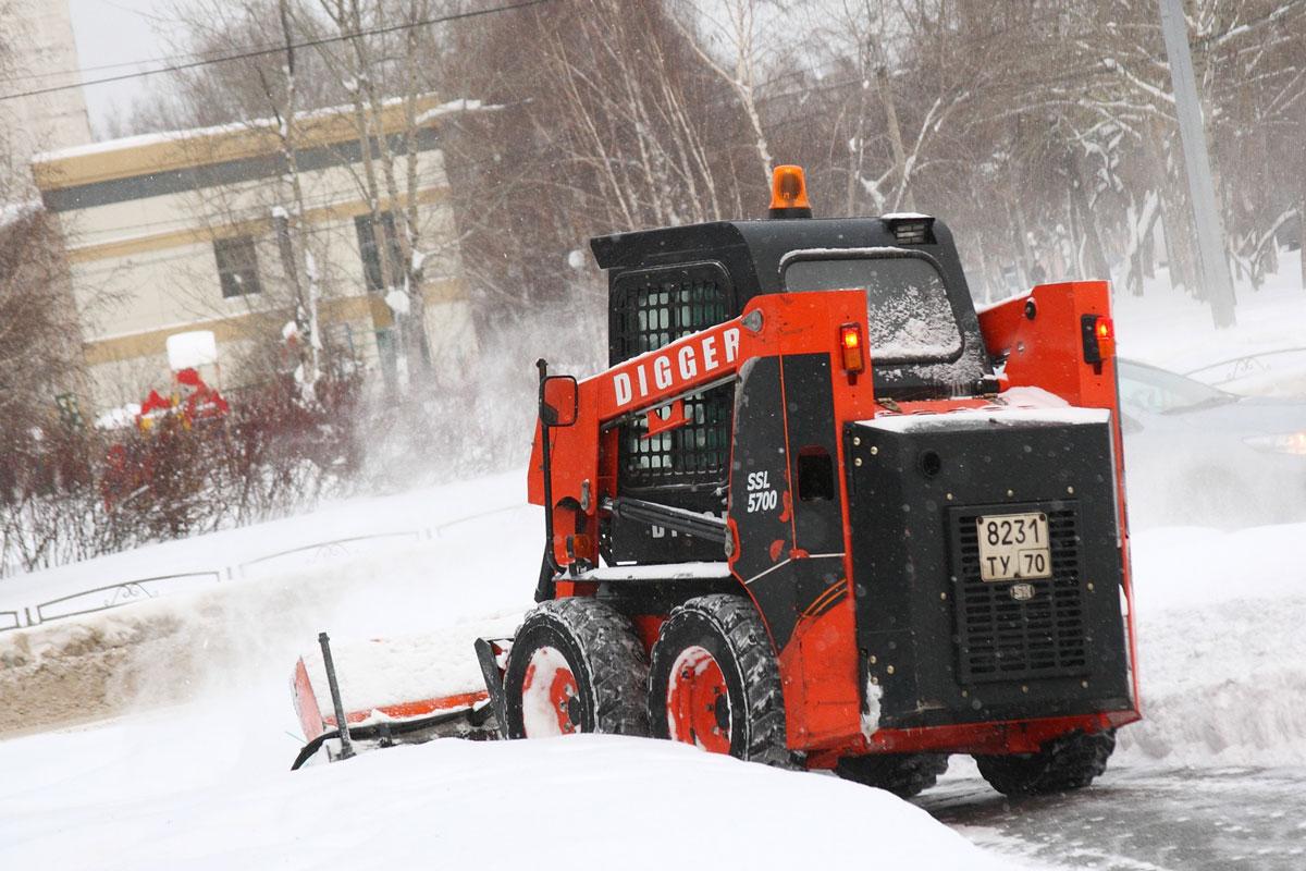 мини погрузчик Digger SSL 5700 для уборки снега