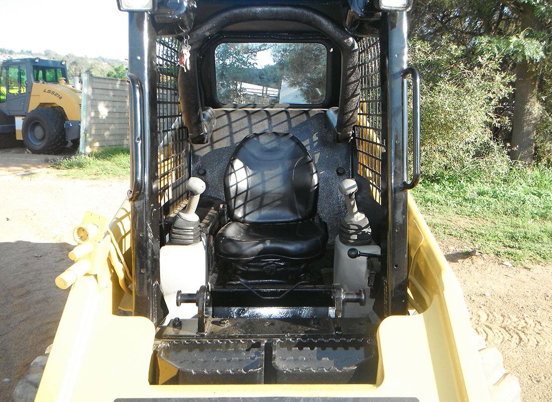 кабина мини погрузчика Cat 226B