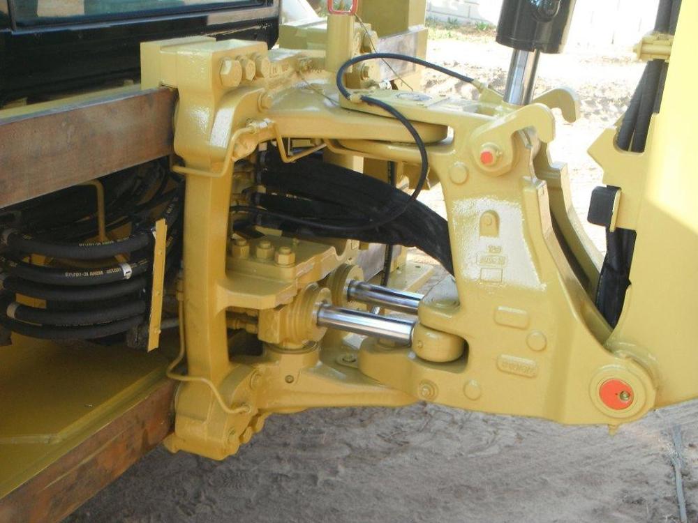 узел крепления навесного оборудования на погрузчик экскаватор Катерпиллер