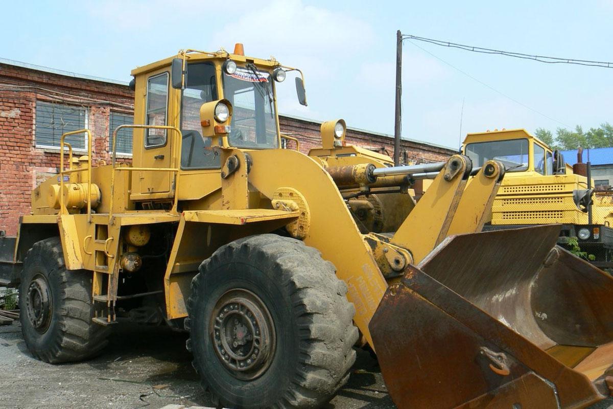 колёсный погрузчик МОАЗ 40484