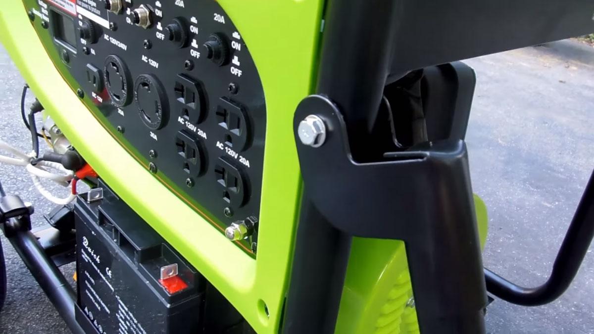 панель управления домашнего бензогенератора